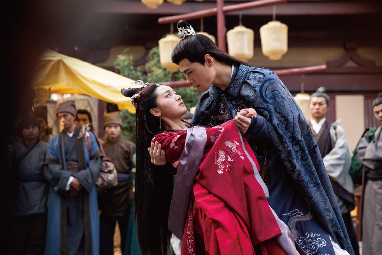 甜寵劇《明月照我心》收視亮眼!霸道王爺「花式」撩刁蠻公主,這招觀眾也臣服